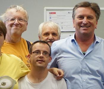 Manne Lucha mit dem Team von Einfach Heidelberg
