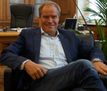 Ober·bürger·meister Eckart Würzner im Rathaus