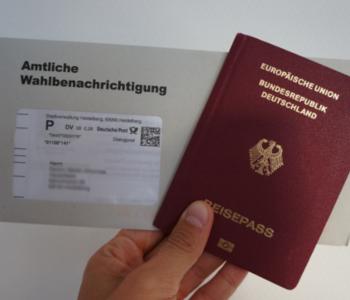 Wahl·benachrichtigung und Reise·pass