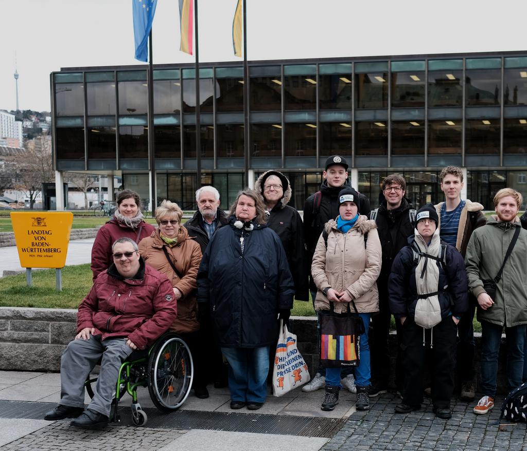 Redaktion vor dem Landtag