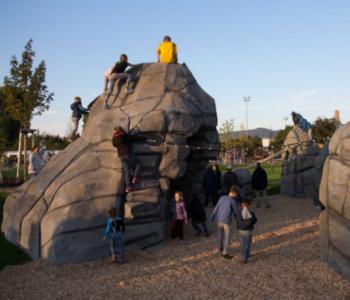 Fels auf dem Spielplatz