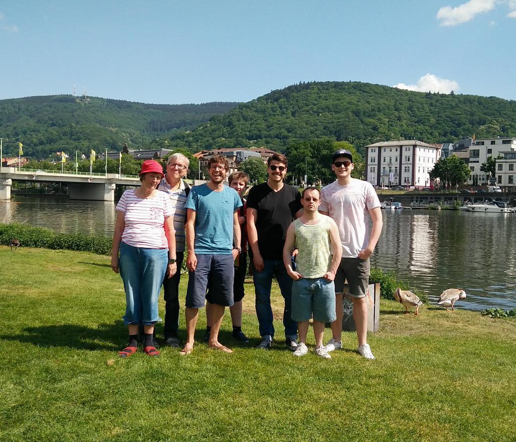 Die Redaktion auf der Neckarwiese