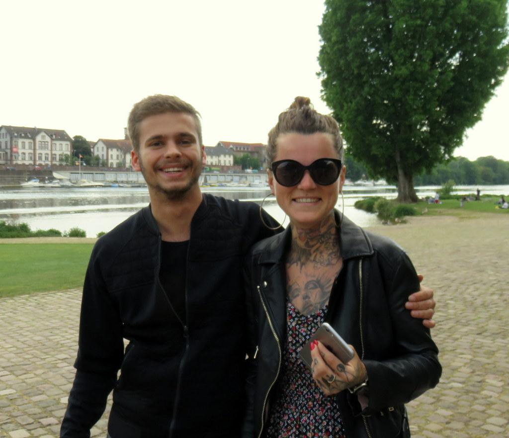Kinga und Mike auf der Neckarwiese