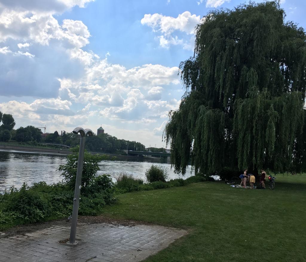 Duschen auf der Neckarwiese