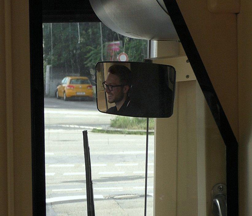Dominik im Spiegel