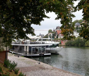 Anlegestelle am Neckar